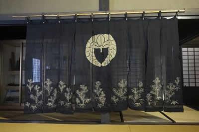 【染付蔵】時代 戦前 麻 家紋入り 特大 暖簾 のれん 若松に下がり藤 九幅 圧巻の250cm のれん